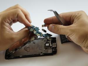 Замена динамика HTC One - Шаг 11.2