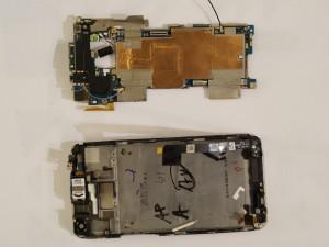 Замена динамика HTC One - Шаг 11.3