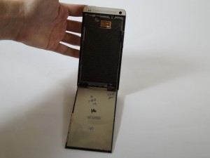 Разборка HTC One Шаг 3