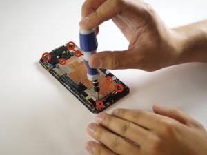 Замена динамика HTC One Шаг 6