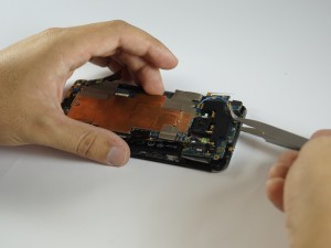 Замена динамика HTC One - Шаг 7